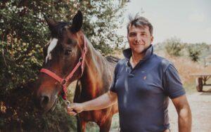 Lorenzo D'Arpe Blog: ultime novità sulla Cura del Cavallo. Laminite, navicolite e altre patologie del piede del cavallo.