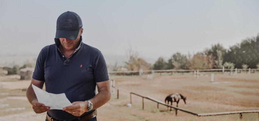 Lorenzo D'Arpe: medico veterinario specializzato nella cura del cavallo. Percorso formativo D'Arpe.